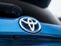 2016 Toyota RAV4 Hybrid, 33 of 53
