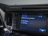 2016 Toyota RAV4 Hybrid, 44 of 53
