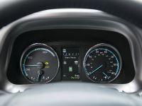 2016 Toyota RAV4 Hybrid, 49 of 53