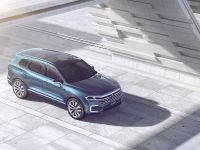 2016 Volkswagen T-Prime Concept GTE, 19 of 66