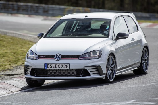 Volswagen Golf GTI Clubsport S with a world record