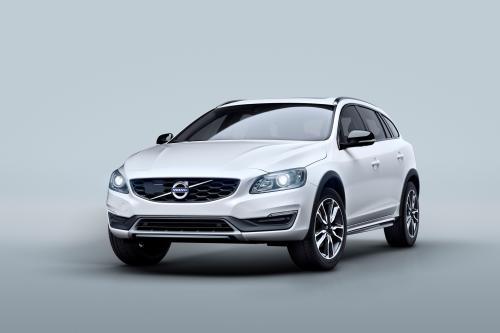 Автомобили Volvo представляет новый V60 на беговых