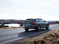 2016 Volvo V90 Cross Country , 3 of 7