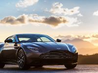 2017 Aston Martin DB11, 3 of 29