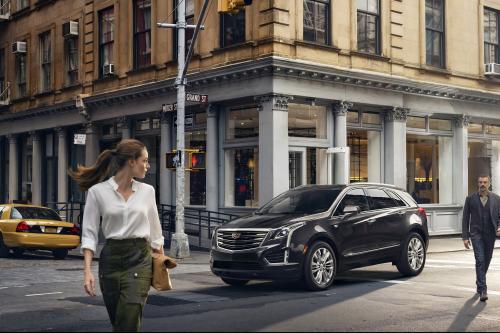 2017 Кадиллак XT5 в интерьере по цене $38,995 долларов США