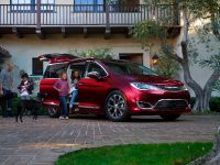 2017 Chrysler Pacifica, 5 of 58
