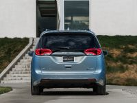 2017 Chrysler Pacifica, 35 of 58