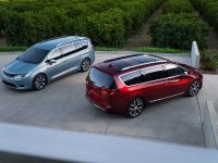 2017 Chrysler Pacifica, 40 of 58