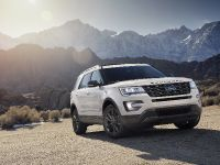 2017 Ford Explorer XLT Appearance Package, 4 of 19