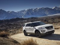 2017 Ford Explorer XLT Appearance Package, 5 of 19