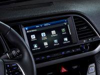 2017 Hyundai Elantra , 3 of 5