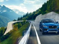2017 Jaguar F-PACE, 3 of 32