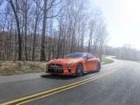 2017 Nissan GT-R Premium , 2 of 4
