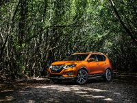 2017 Nissan Rogue , 6 of 10