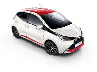 2017 Toyota Aygo x-press, 2 of 2