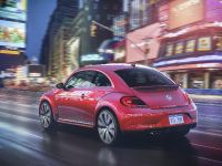 2017 Volkswagen PinkBeetle Limited Edition , 2 of 3