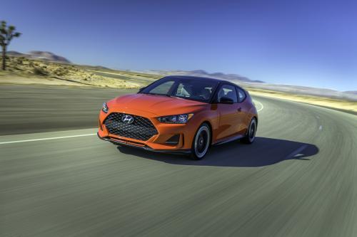 Hyundai раскрывает новейшие модели Veloster
