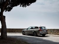thumbnail image of 2018 Volvo V60 Inscription