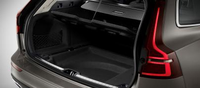 Volvo V60 (2018) - picture 12 of 13