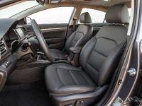2019 Hyundai Elantra , 4 of 8
