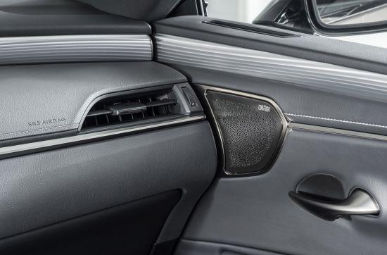 Lexus ES Hybrid Saloon Interior