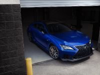 2019 Lexus RC F Coupe, 2 of 3
