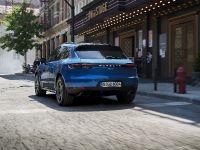 thumbnail image of 2019 Porsche Macan SUV