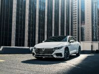 2019 Volkswagen Arteon Vehicle Images, 2 of 5