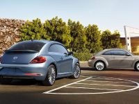 2019 Volkswagen Beetle Final Edition , 2 of 6