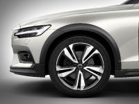 2019 Volvo V60 Cross Country , 7 of 11