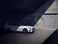 2019 Volvo V60 R-Design , 2 of 13