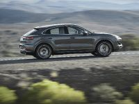 2020 Porsche Cayenne Coupe, 2 of 7