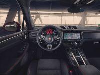 thumbnail image of 2020 Porsche Macan GTS