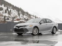 2020 Toyota Camry XLE, 3 of 7
