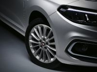 2021 Fiat Tipo Cross, 18 of 25