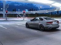 2021 Jaguar XE, 9 of 11