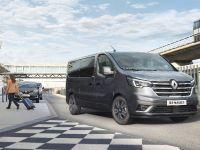 2021 Renault Trafic Passenger, 1 of 12