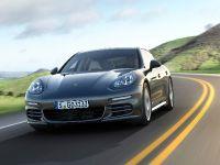 4 Porsche Panamera 4S Executive, 1 of 2