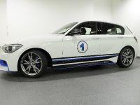 Abu Dhabi BMW 1-Series M135i, 9 of 11