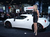 thumbnail image of Alfa Romeo 4C New York 2014