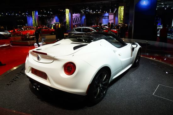 Alfa Romeo 4C Spider Paris
