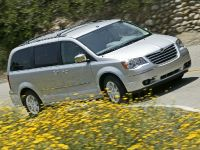 thumbnail image of 2008 Chrysler Town & Country