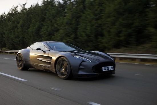 Aston Martin One-77 high speed testing