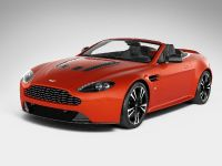 Aston Martin V12 Vantage Roadster, 1 of 26
