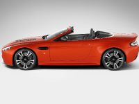 Aston Martin V12 Vantage Roadster, 2 of 26