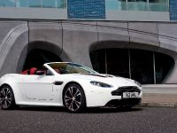 Aston Martin V12 Vantage Roadster, 9 of 26