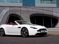 Aston Martin V12 Vantage Roadster, 9 of 26