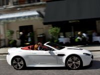 Aston Martin V12 Vantage Roadster, 13 of 26