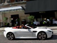 Aston Martin V12 Vantage Roadster, 13 of 26