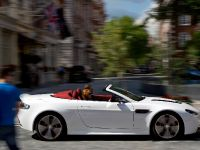 Aston Martin V12 Vantage Roadster, 14 of 26